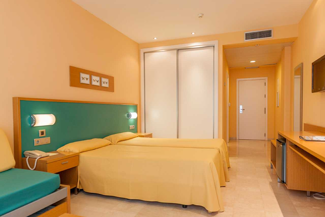 Rooms: Rooms In Hotel Mediterraneo
