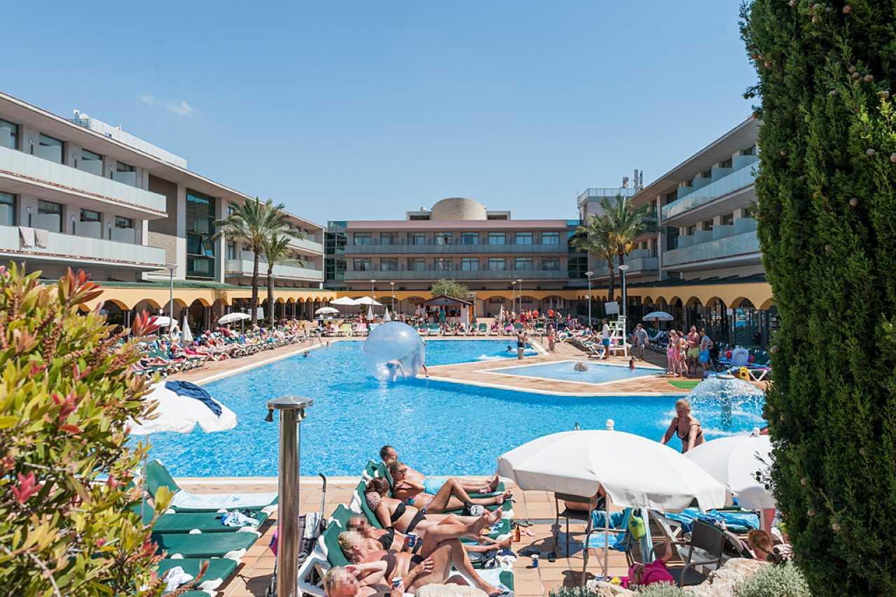 Swimming Pool For 4 Star Hotel In Benidorm Mediterraneo